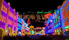 Osborne Lights (Tom.Bricker) Tags: film nikon florida disney disneyworld hollywood mickeymouse wdw waltdisneyworld studios themepark disneymgmstudios waltdisney sunsetboulevard orlandoflorida graumanschinesetheatre waltdisneystudios hollywoodstudios disneyphotos thestudios disneyshollywoodstudios disneyphotography wdwfigment tombricker