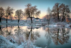 Winterscape. (Edward Dullard Photography. Kilkenny, Ireland.) Tags: old trees kilkenny ireland winter light sunset snow reflection nature weather night vintage river landscape licht nacht hiver eire retro irlanda ierland leinster cillchainnigh oldkilkenny lirlande impressedbeauty kilkennypeople edwarddullardphotographykilkennycityireland oldphotographsofkilkenny kilkennypictures