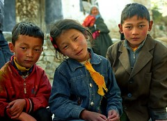 Face of Tibet (reurinkjan) Tags: 2004 buddhist tibet lhasa drepung utsang drokba storytellingphoto ལྷ་ས་ janreurink storytellingphotography བོད། བོད་ལྗོངས། སངས་རྒྱས་ཆོས་ལུགས་པ། དབུས་གཙང་། འབྲས་སྤུངས་ faceoftibet faceགདོང་པ་gdongpa photostoryའདྲ་པརསྒྲུང་།drapardrung