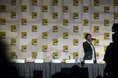 Big Bang Theory Panel 01 (heath_bar) Tags: california ca sandiego comiccon 2009 cbs onthefloor sdcc johncho sandiegoconventioncenter kaleycuoco bigbangtheory jimparsons simonhelberg kunalnayyar