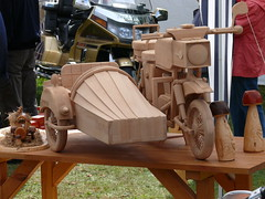 Holzmodell: Beiwagenmaschine