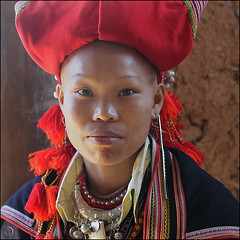 All dressed up (NaPix -- (Time out)) Tags: china red portrait woman 6x6 night silver square asia vietnam ethnic dao minority yao headdress z   napix yo