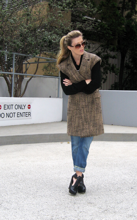 sleeveless-tweed-coat-jeans-wedges-7