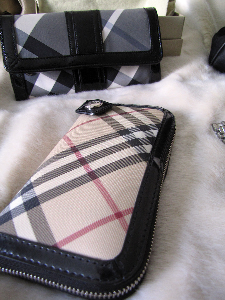 accessories-gucci-burberry-tom-ford-dolce-vintage-3
