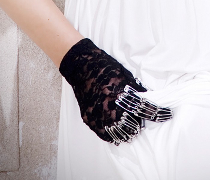 DIY fashion MaisonDePeanutLeigh skeleton safetypin gloves