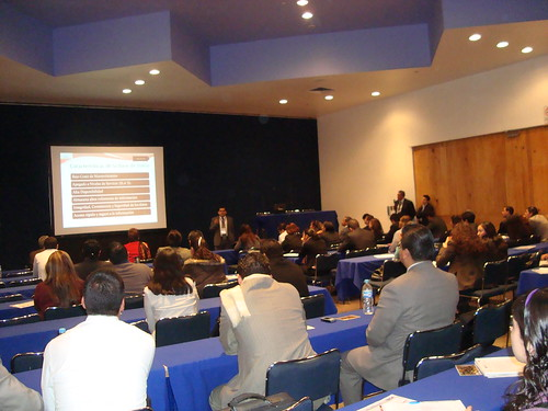 Conferencias simultáneas por Mundo Contact.