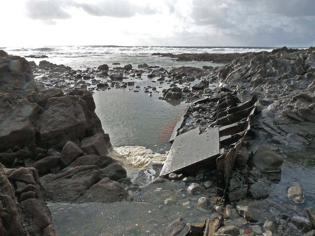 11682 - The Bluebell Shipwreck, Culver Hole, Gower