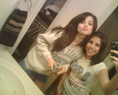 * (Selena Gomez Fans) Tags: marie de los kevin place nick joe taylor demi swift cyrus jonas selena gomez waverly magos wizards lautner miley lovato fenticeiros