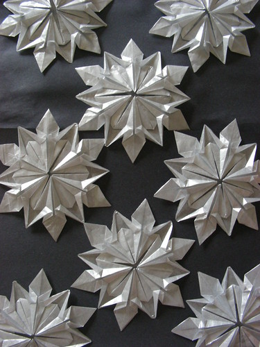 Snowflakes (Design by Dennis Walker) by Origamiancy.
