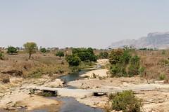 DSC06825_DxO_Bildgröße ändern (Jan Dunzweiler) Tags: afrika madagaskar fahrradreise radreise momotas africanbikers jandunzweiler brücke pont bridge