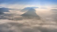 *Saarschleife im Nebel* (albert.wirtz) Tags: albertwirtz nohn mettlach mettlachorschholz orschholz cloef aussichtspunkt saar saartal valley tal sarre nebel brume niebla nebbia fog mist nikon d810 deutschland germany europa europe saarland brouillard