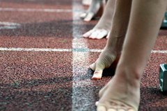 (Don Quijote de la Mancha) Tags: sport start canon eos linie running digitalrebel sprint rennen startlinie 450d