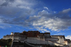 Lhasa, Potala Palace (blauepics) Tags: china temple asia earth beijing buddhism tibet lhasa dalai tempel buddhismus earthasia