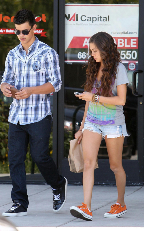 Taylor Lautner And His Girlfriend Sara Hicks Leaving Chipotle Re