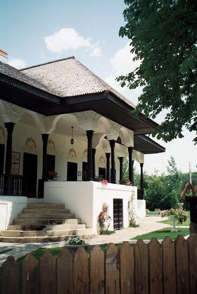 The Bellu Manor 1