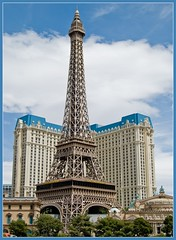 eiffel (tiffa130) Tags: las vegas usa white color nikon lasvegas nevada stock creative landmarks free commons cc strip creativecommons stockphotos thestrip dslr sincity nikoncamera freepics flickrstock tiffa nikondslr nikond40x d40x freestockphotos freestockphotography photosbytiffa photobytiffa