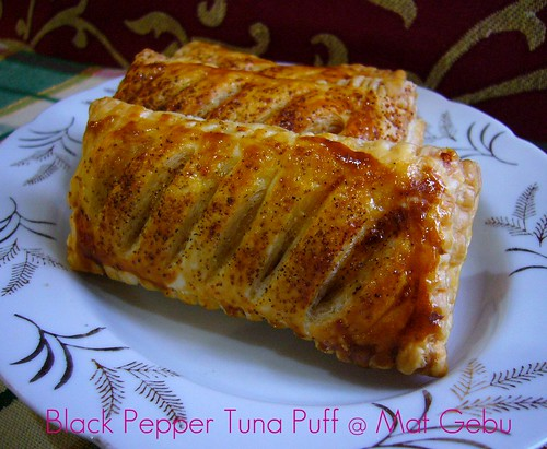Black Pepper Tuna Puff