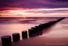Baltic - Sunset (2) ( Pawel Baranowski) Tags: longexposure sunset sun landscape balticsea baltic batyk krajobraz canoneos30d tamron1750f28 p173 platinumheartaward dslrcanon30d winnerbc