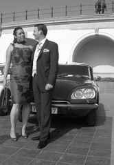 Marriage in a Citroën DS (Stinoo) Tags: ds marriage citroën 2cv oostende godin eend huwelijk geit trouwen ostende 2pk déesse deuche