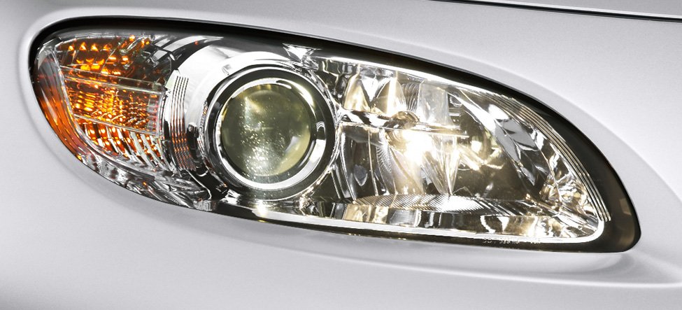 Xenon High-Intensity-Discharge Mazda MX-5 Miata