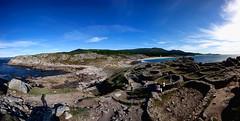 Castro Baroa. (benitojuncal) Tags: sea panorama espaa praia azul mar do son playa galicia porto castro cielo panoramica ria noia celta muros baroa celtas 8x10mm