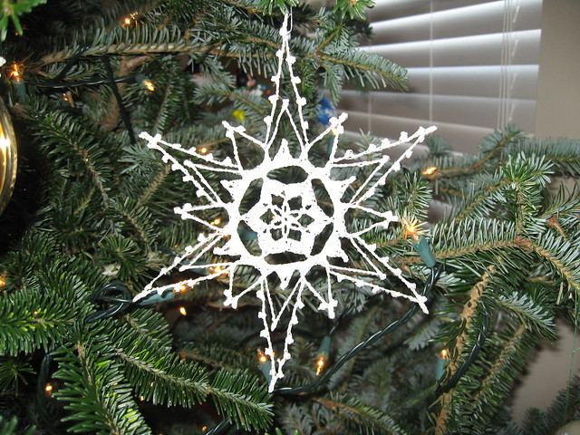 Lion Crafts Tutorials, Patterns and Inspiration: Crochet Snowflake
