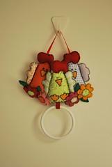 DSC_0169 (lilia.paim) Tags: feltro patchwork decorao tecido galinhas portatoalha portapano