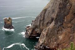 Oswald West Sea Stack and North Cliff #02 (wavesandwaterfalls) Tags: ocean cliff rock oregon pacific canondslr seastack oswaldweststatepark manzanitaoregon tillamookcountyoregon