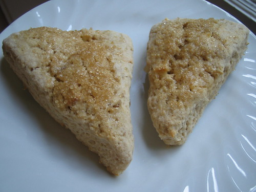 apple pie sourdough scones