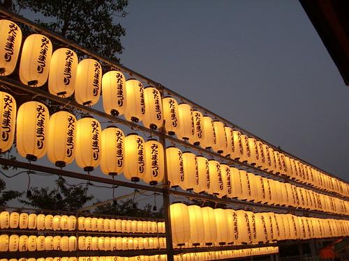護国神社みたままつりの提灯