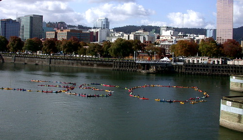 Paddlers on the Willmette in support of 350.org