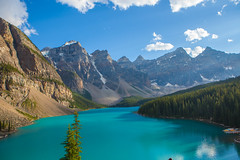 Moraine Lake (Marshall Winterbach) Tags: moraine lake morainelake banff canadanationalpark valleyoftenpeaks canada clouds water