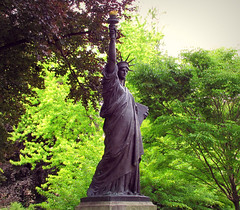The Statue of Liberty in Luxembourg Gardens (Sandra Leidholdt) Tags: paris france art statue bronze french liberty frankreich europe jardin frana libert frankrijk statueofliberty francia luxembourggardens jardinsduluxembourg statuedelalibert sandraleidholdt augustbartholdi leidholdt sandyleidholdt