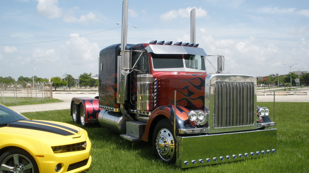 Peterbilt Transformers Optimus Prime