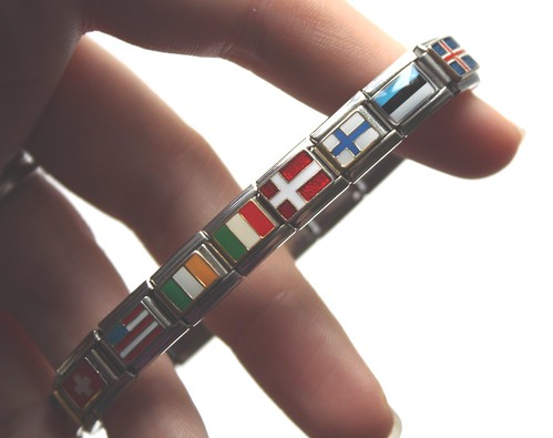 flags bracelet