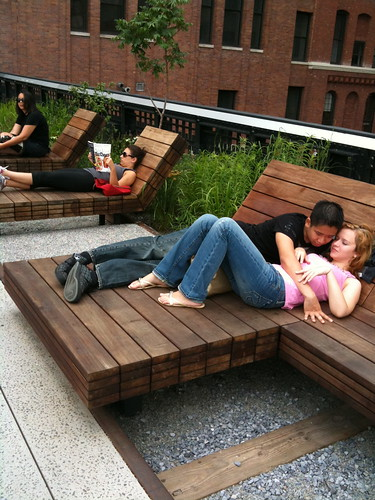 High Line Park lovers