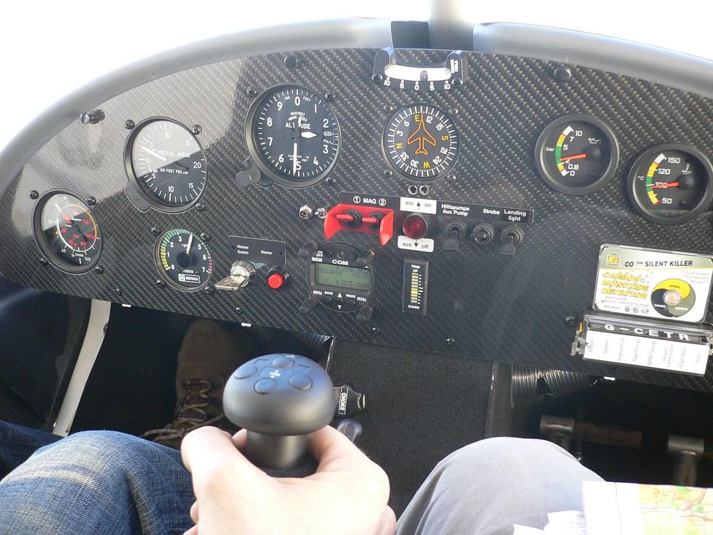 Ikarus C42 Cockpit