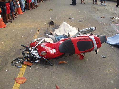 Acidentes com três vítimas fatais, neste domingo, em 16-08-09... 034 por você.