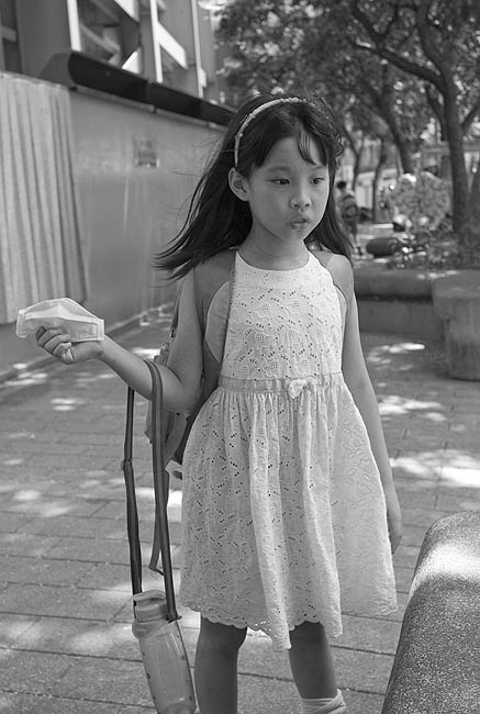 Juliet放學黑白01