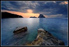 Find my way (Muchilu) Tags: sea water island mar agua nikon d sigma ibiza filter eivissa 1020 90 isla hort cala hoya 10mm cokin d90 polarizador vedranell vedrà muchilu