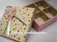 (Lullaby Lembrancinhas) Tags: caixa enfeites patchwork presente mdf tecido lembrancinhas