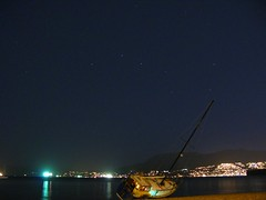 Big Dipper and grounded boat (-sim-) Tags: night vancouver bigdipper kitsbeach groundedboat