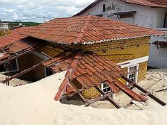 Rol pelo Rio Grande do Norte (Ricardo Ferraz Bastos (RB)) Tags: brasil praias dunas calor riograndedonorte praiadepipa nordestebrasileiro cidadedenatal praianordestina construesirregulares avanodaareia