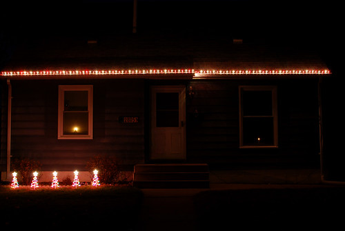 106 christmas lights on house