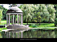 tEmPLe of lOve!! (FerPecT_sHotz) Tags: auto park old trees summer plants reflection green water beautiful museum pond kodak columns anderson lush pillars brookline larz templeoflove daarklands hm