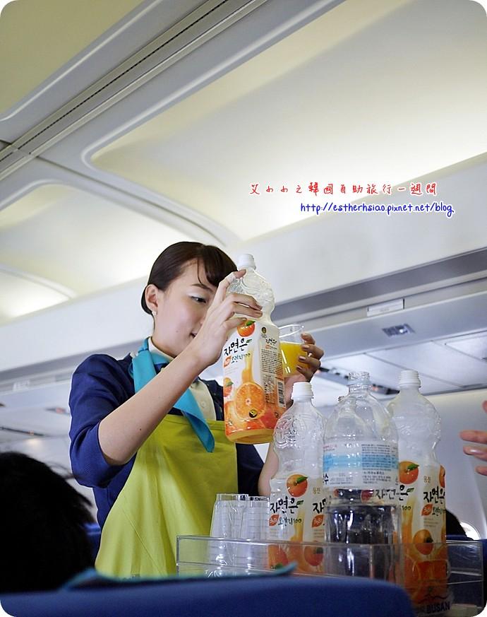 14 提供柳橙汁、水、可樂