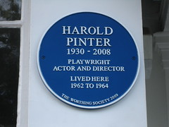 Photo of Harold Pinter blue plaque