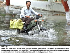 choked sewerage system (Jahangir @) Tags: pakistan rain june front system pedestrians waters passing through needs attention karachi problems creating due sindh jk concerned stagnant authorities motorist choked sewerage accumulated jahangirkhan jahangirpix oldpologroundroad