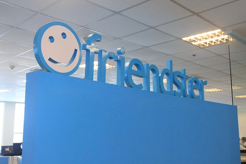 Friendster Philippines by GianCayetano