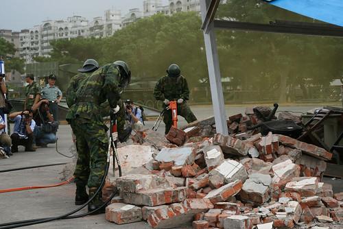 震後救援的人員機具